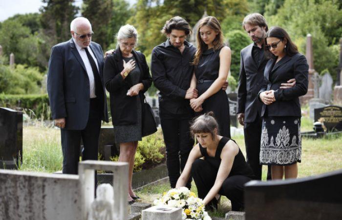 Ce servicii funerare trebuie sa asigure o casa de pompe funebre cu experienta?