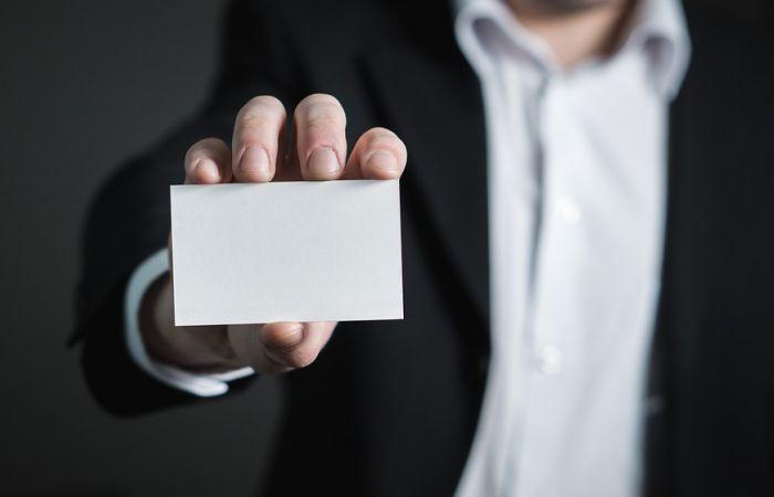 Cum sa te feresti de ofertele inselatoare ale firmelor de servicii funerare neprofesioniste
