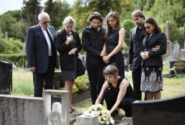 Ce servicii funerare trebuie sa asigure o casa de…